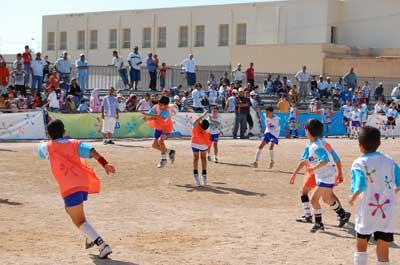 دورة أومو الوطنيّة لكرة القدم بين الأحياء